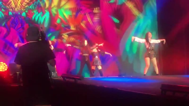 180120 SMTOWN in Chile, Day2: Red Velvet - Peek-a-boo