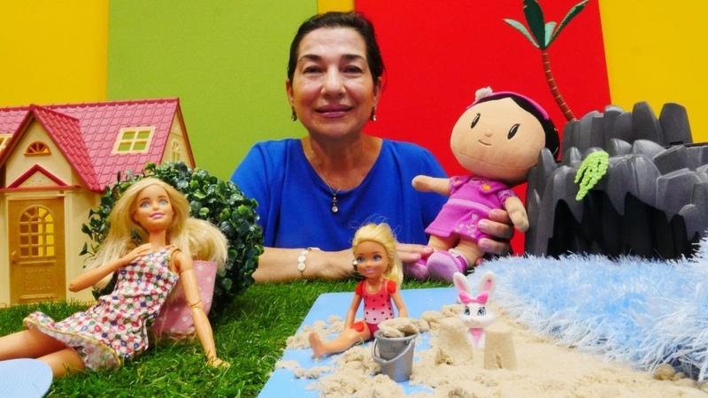 Barbie ve Chelsea denize gidiyorlar! Kukla oyunu