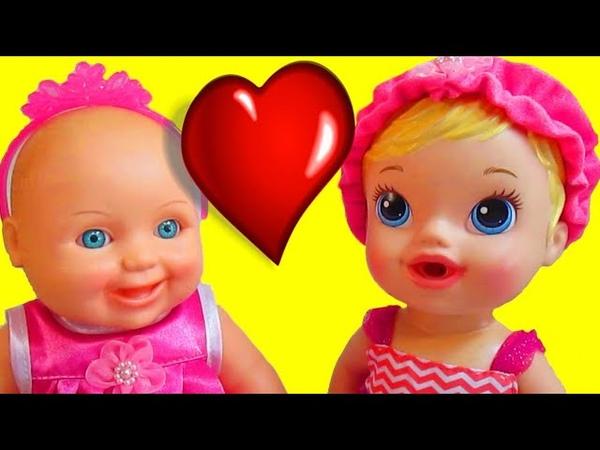 Игрушечные приключения Маши и Даши 1 серия Мультик для девочек Распаковка куклы пупс