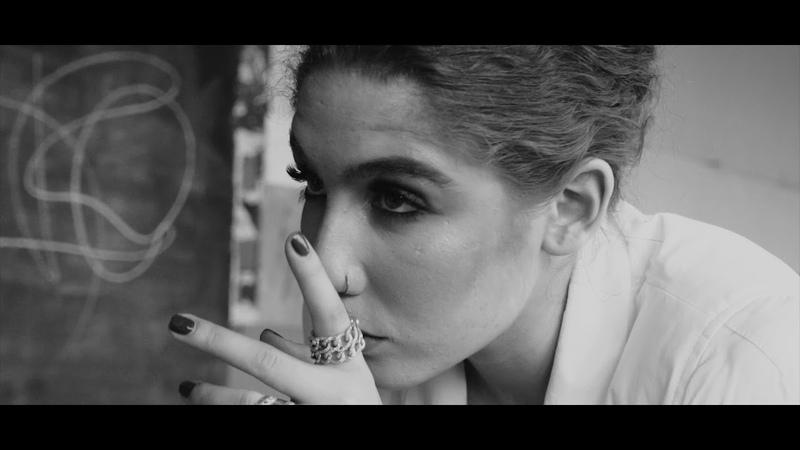 LULLU ft. Theo - Sunt doar complice (Official Video)