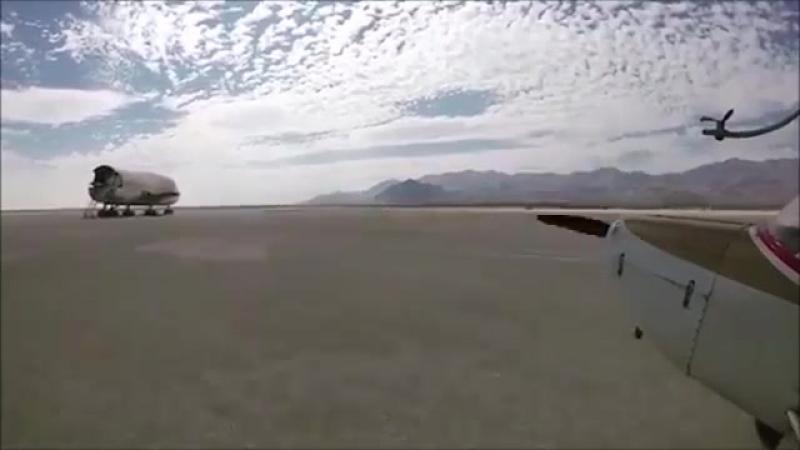 После фестиваля Burning Man в пустыне забыли самолет