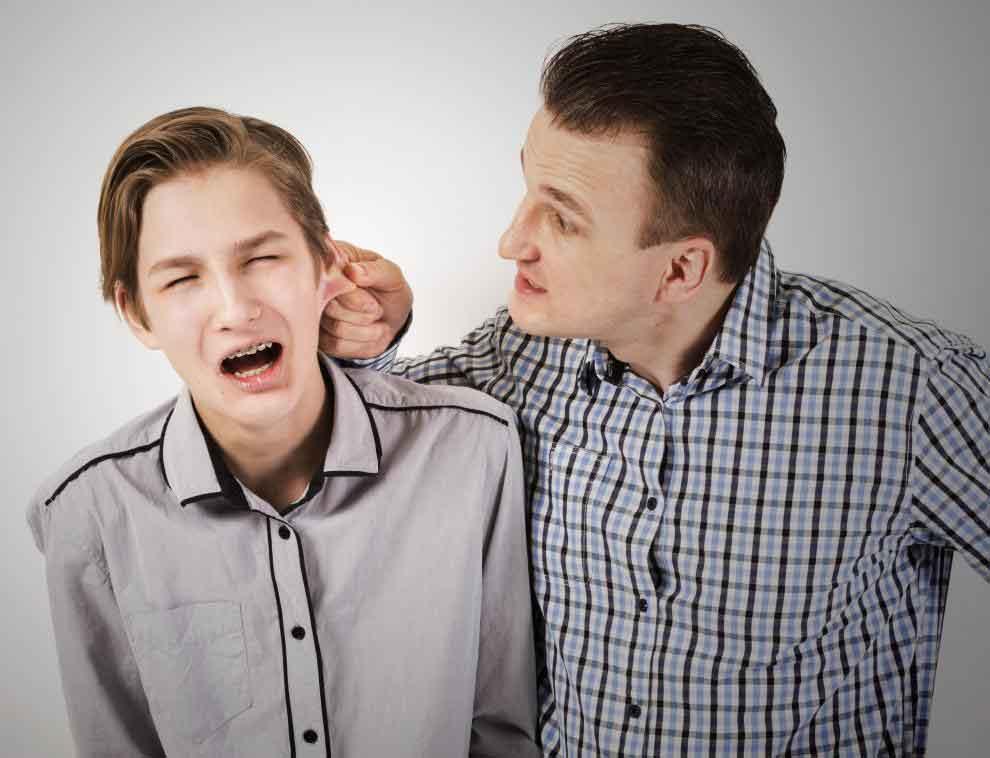 Симптомы отмены венлафаксина могут включать раздражительность и враждебность.