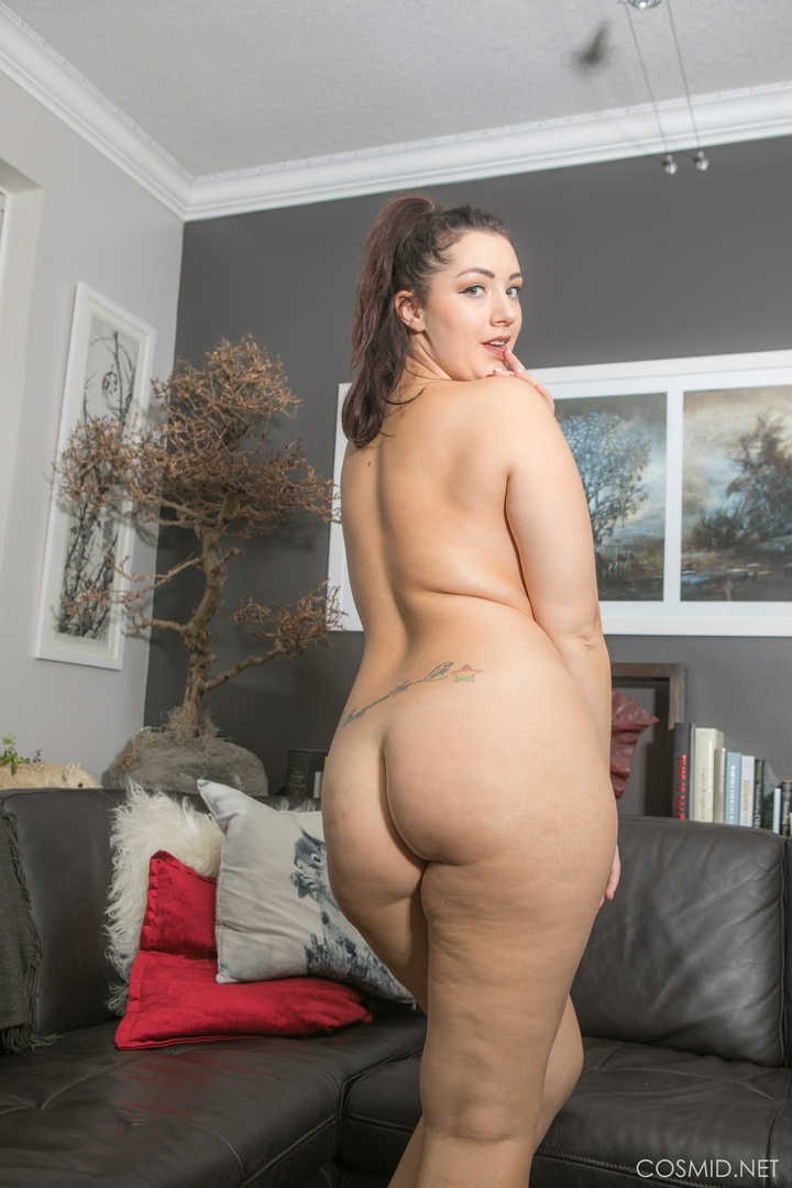 Sexy nude models for artists