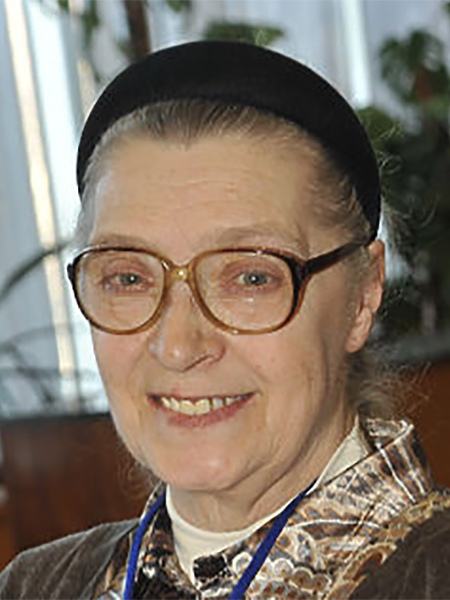 Замужем за Высоцким. Главной женщиной в жизни Владимира Высоцкого всегда называют Марину Влади, совершенно забывая о его первых двух браках. Она была последней его официальной женой. Но до неё