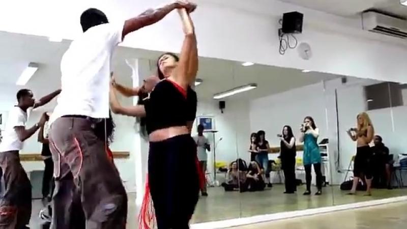 танец_втроем_такого_вы_еще_не_видели.mp4 » Freewka.com - Смотреть онлайн в хорощем качестве