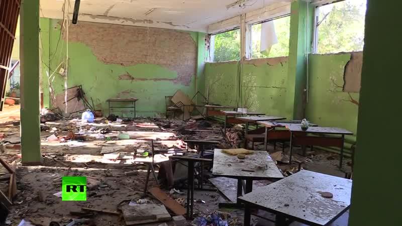 Выбитые стёкла и брошенные в панике вещи - видео из керченского колледжа после нападения