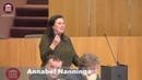 (4) Nanninga (FvD) dwingt GL-wethouder Groot Wassink geheime illegalenopvangplek te onthullen - YouTube