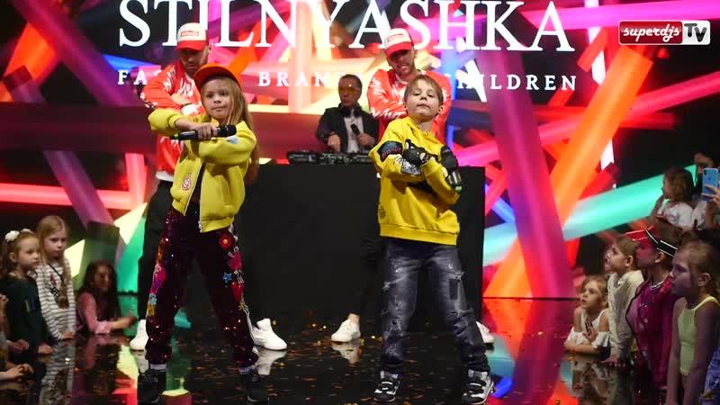 Милана Гогунская и Денис Бунин - Бизнес Пупсик Live