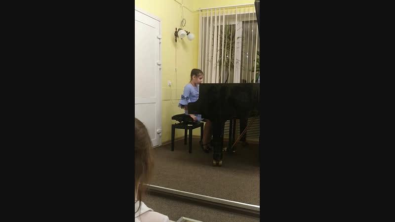 Концерт дочки в музыкальной школе