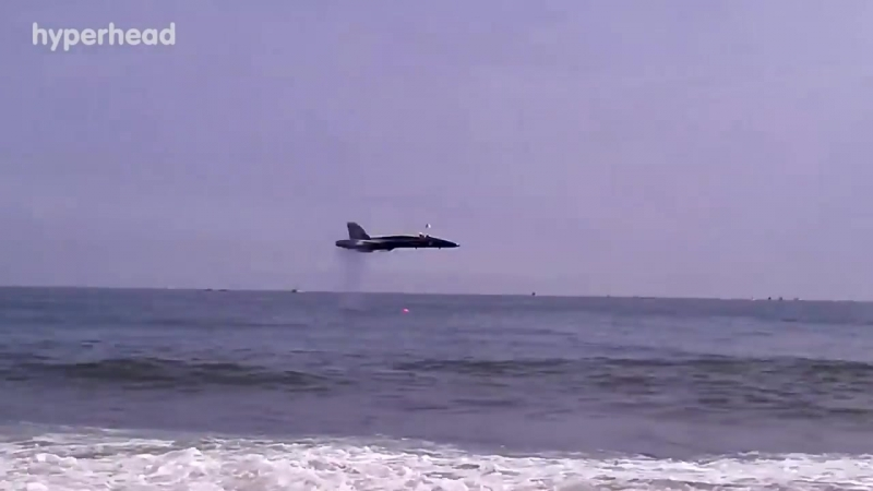 Jets Fighter in Low Pass - Shocking Spectacors