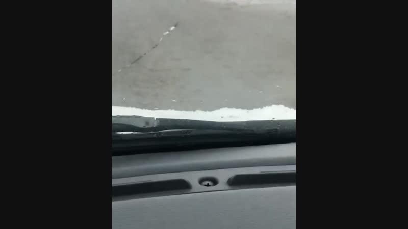 Видео white_husky_krasnodar Будьте осторожны за рулем. Скользко на улице Лизы Чайкиной, дорога не расчищена...