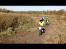 Ребята из мотоклуба Горизонт выехали на грунтовую трассу.