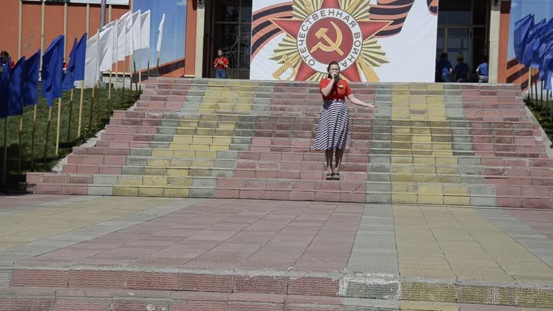 Анна Ахмерова с песней Ах, если бы земля умела говорить...