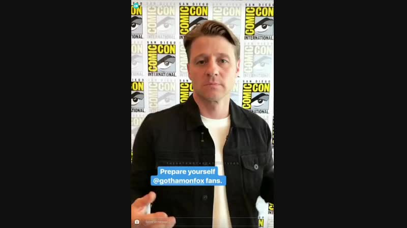 The Gotham cast show their villainous faces in EWs SDCC Instagram Story - July 22 2017
