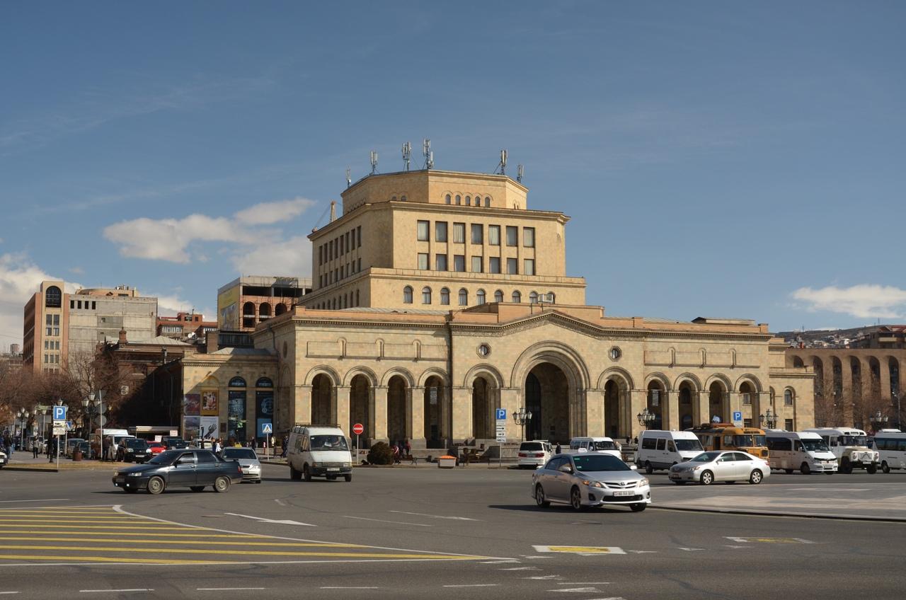 fvnL5EmQDJw Ереван достопримечательности.