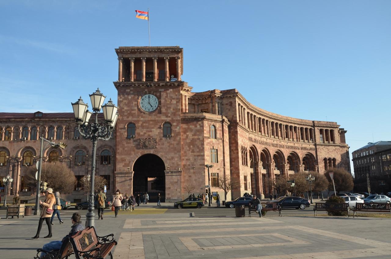 X2-xP_ZHsiU Ереван - столица Армении.
