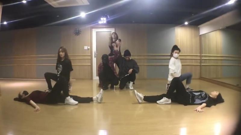 Chaeyeon (WM Trainee) - Gashina @ Oh My Girl Special Stage Dance Practice
