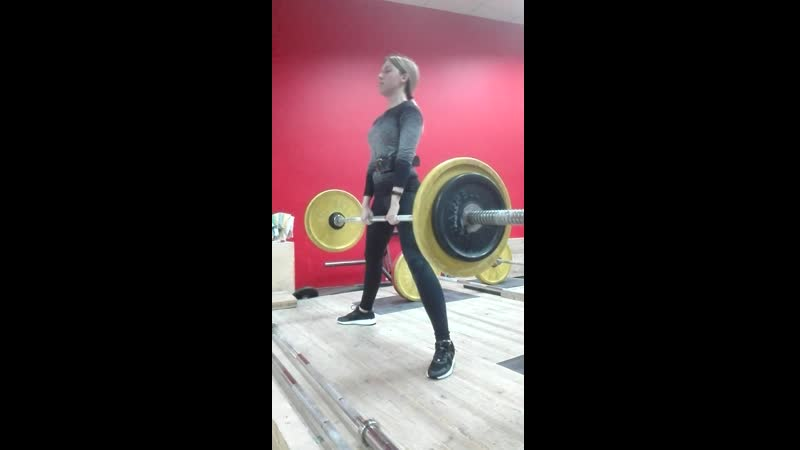 Настя тянет 70х5 собств вес 55кг 5 месяцев тренировок