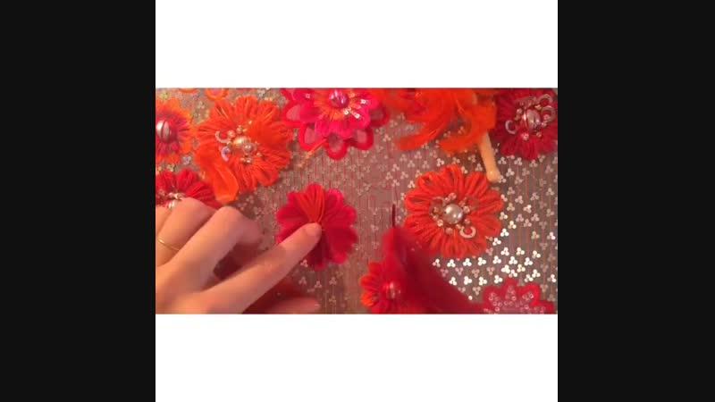 Вышивка деталей узора Annees 60 от Carolina Dal Pino