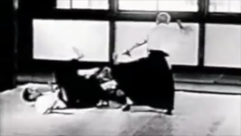 Morihei Ueshiba Aikido à 360 degrés