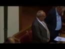 Grande Bretagne : la prière musulmane est récitée (en arabe) avant l'ouverture de la session du conseil municipal de Luton