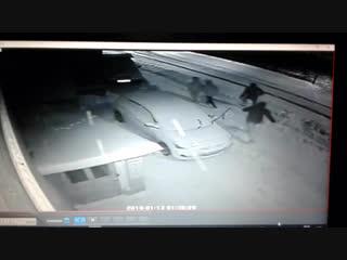 Хулиганы оторвали дворники на машине - Регион-52