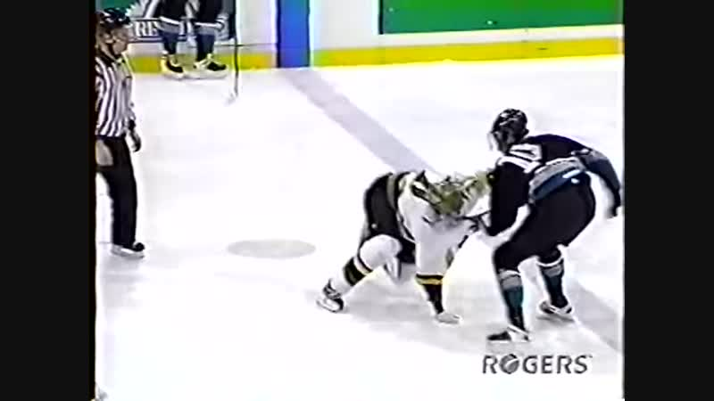 Krys Barch vs Matt Reynolds OHL (04.02.1999)
