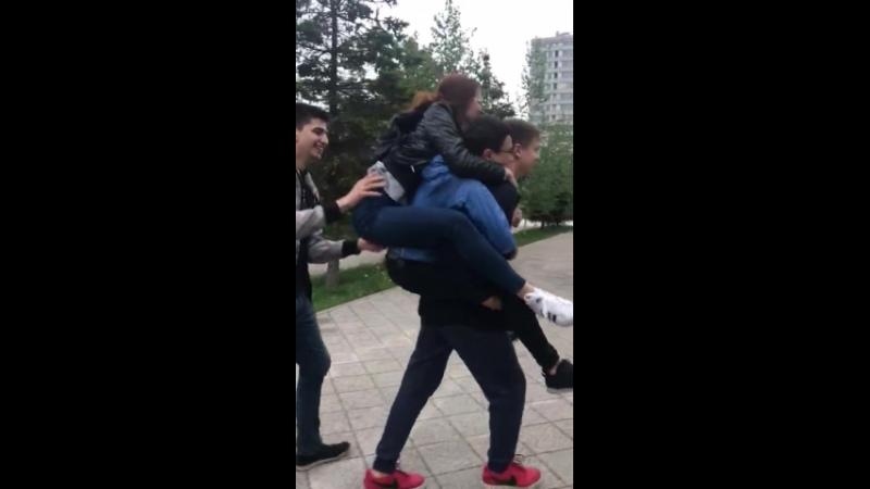 Жирки не хотели отпускать)