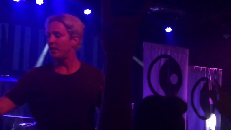 The word alive-Life cycles LIVE MONTREAL 17 SEPTEMBER