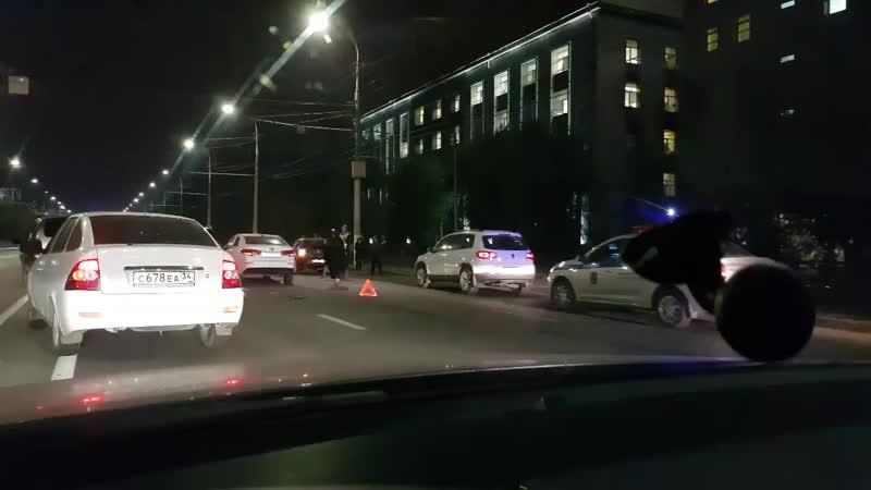 Авария на Дворце спорта привела к гигантской пробке