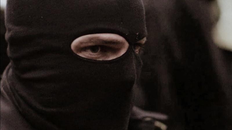 Оливер Куин внедряется в банду наёмников