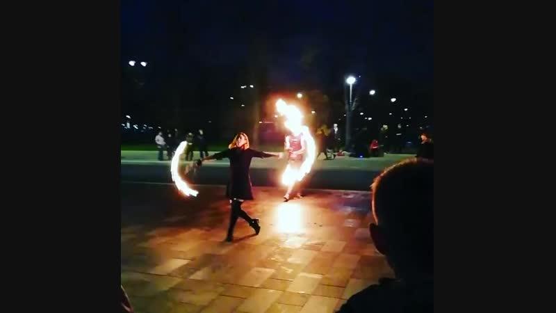 Новое фаер-шоу около метро ВДНХ.