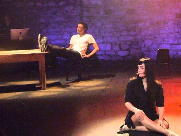 Chanteuse RoBERT et Anthony Delon Skype au café de la danse 2013