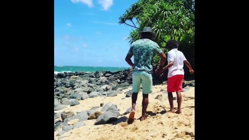 Шейн Мозли на отдыхе в тропическом лесу Мауи на Гаваях!