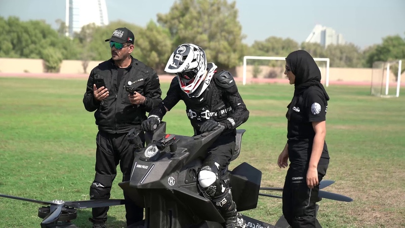 Hoverbike S3 2019 Dubai Police flying lesson
