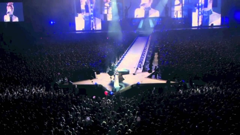 Mylène Farmer - Ainsi soit je (live@Stade de France