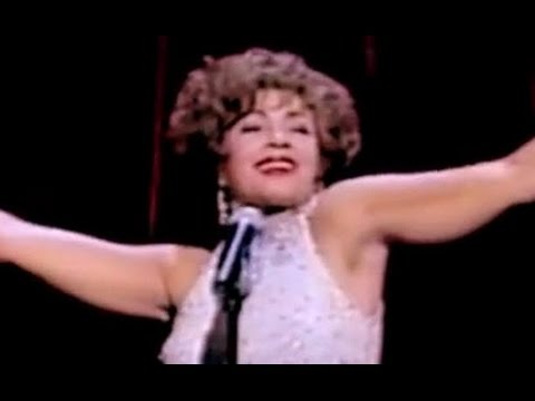 Shirley Bassey - Light My Fire / I Am What I Am (Royal Variety 2000 Live)