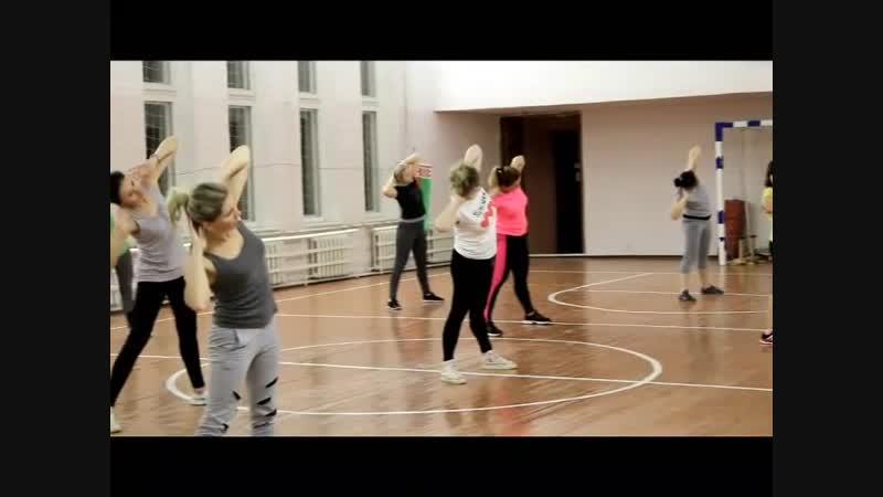 Фитнес: тренировки для милых дам(Чырвоны прамень, г. Чашники, Новолукомль)