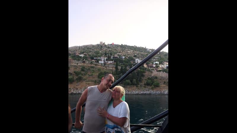 С 4-х палубного корабля в Средиземное море=Лара Халина