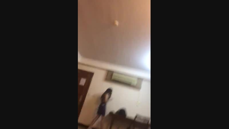 видео из борделя где орудует шайка в малайзии сутенер Эльчин Асиф оглу Гейдаров бреет девушку в отеле Куала Лумпура а Камал его