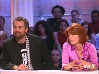 Romain Goupil face  Ken O'KEEFE  propos de la guerre en Irak - Archive INA