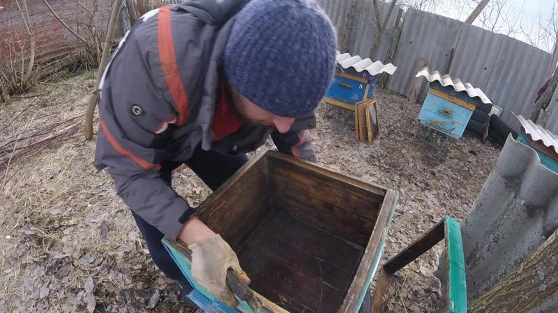 ВЕСНА на пасеке Чистка и обжиг ульев Beekeeping for beginners