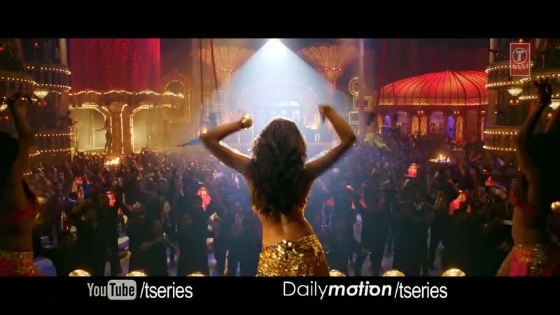 V из индийского фильма С Новым Годом 2012