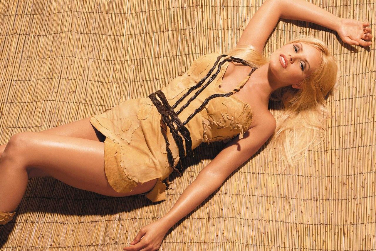 Erotic ebony porn photos