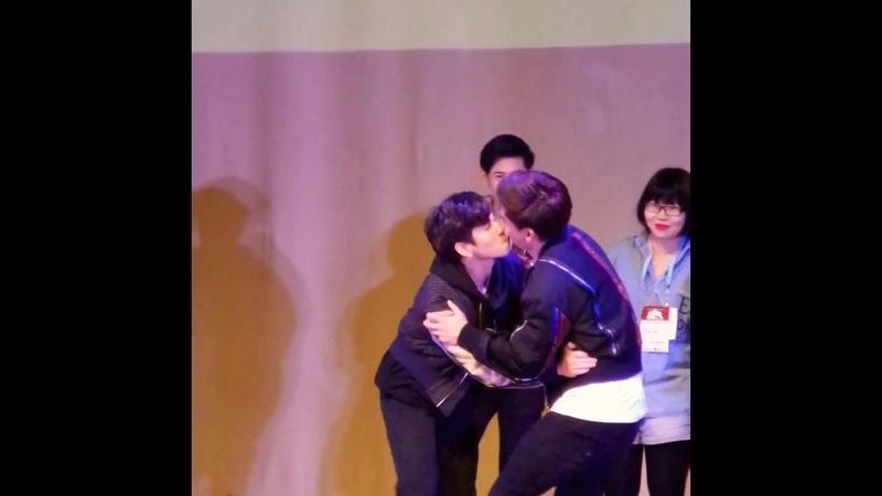 Oaujun, Fiat, Krist, and Singto play Pocky Game [SOTUS S Hazing in Manila 2018]