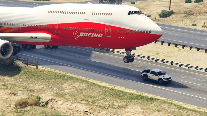 Giant Air Plane Emergency Landing on Highway -- Two Engines Failed -- ( GTA 5 Crazy Moments)