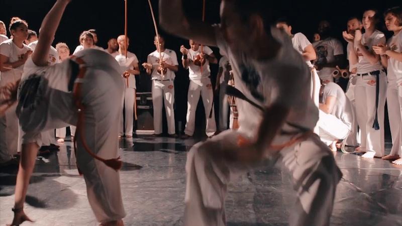 Abadá Capoeira Paris - A Alma da Roda
