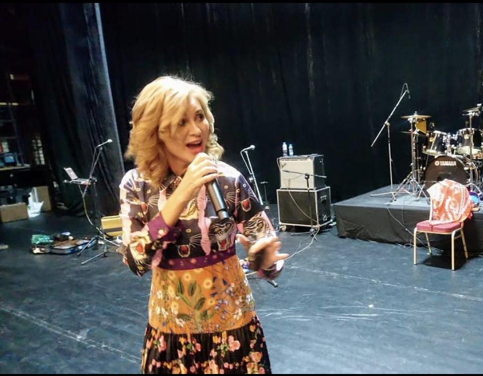 Вика Цыганова празднует свой юбилей!  Певице исполняется 55