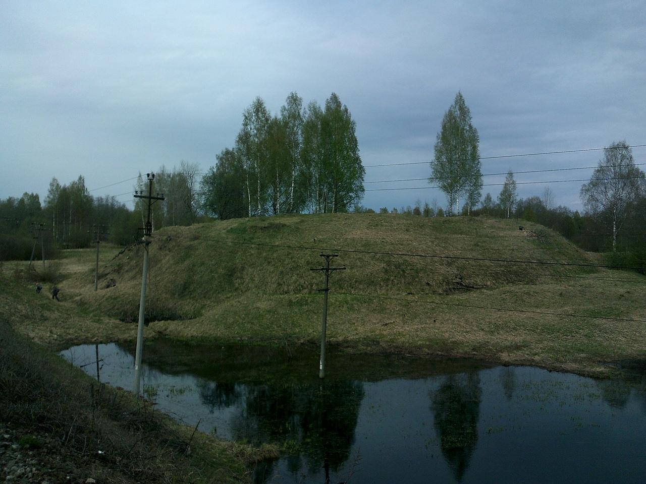 Пешком в Новгородскую область. Городище Кострони - древнее славянское поселение.