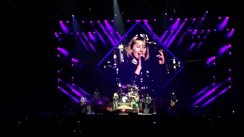 Foo Fighters - Under Pressure - Vancouver - September 8th 2018 - Rogers Arena - With Fan Madi Duncan